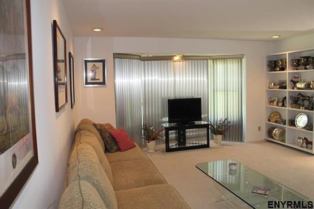 Saratoga Springs image 7