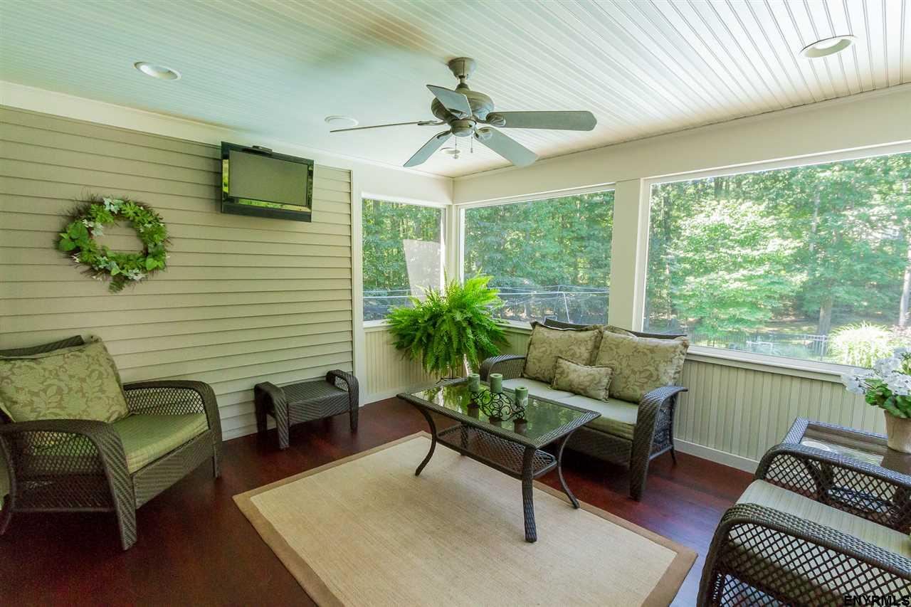 Saratoga Springs image 15
