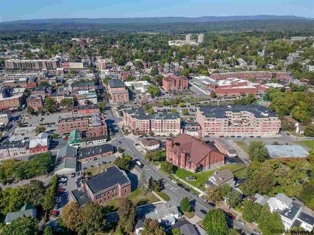 Saratoga Springs image 11