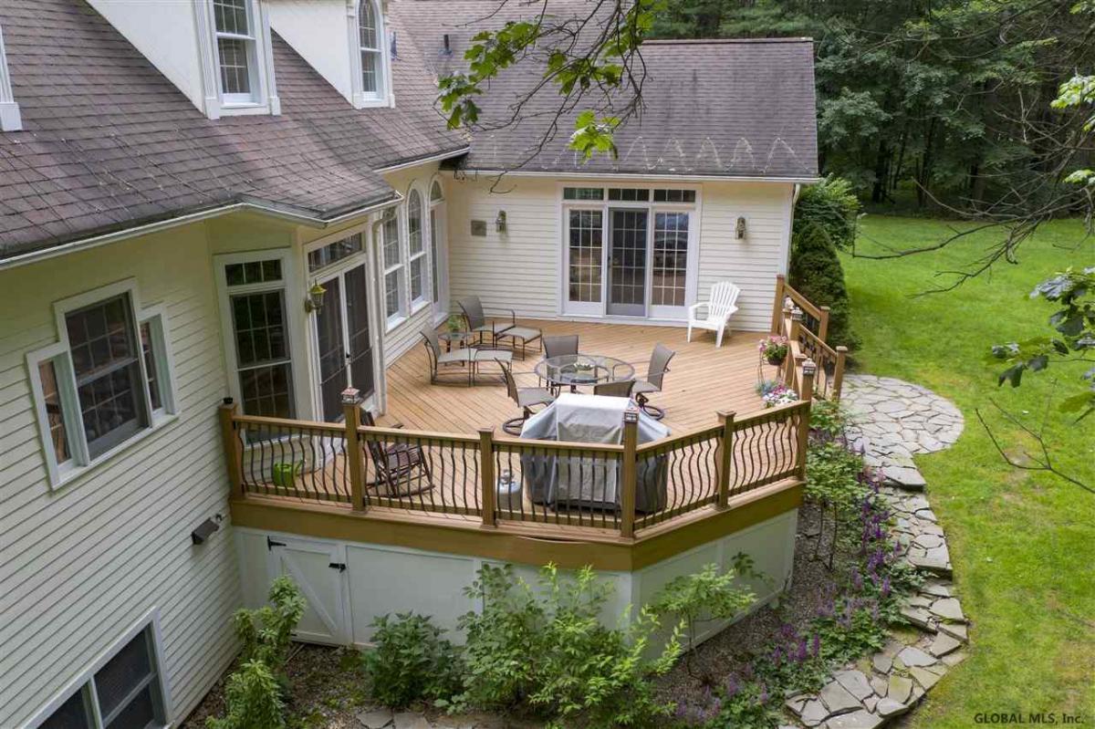 Saratoga Springs image 28