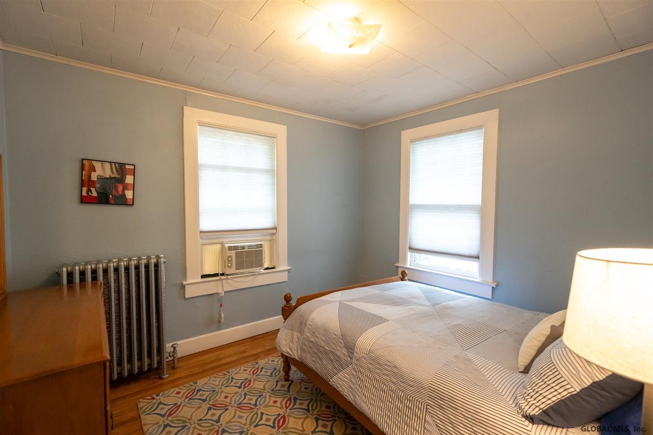Saratoga S image 10
