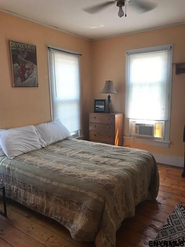 Saratoga S image 17