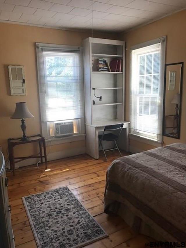 Saratoga S image 18