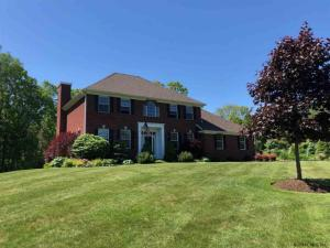 6 Browns Path, Queensbury, NY 12804
