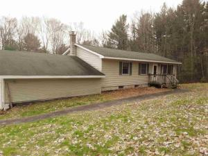 194 Middle Rd, Lake Georg, NY 12845