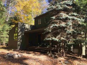 74 Bonnie Belle Farm Rd, Chestertown, NY 12817