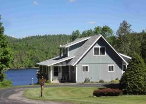 35 Adams La, Schroon Lake, NY 12870
