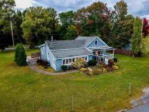 451 Lake Av, Saratoga Springs, NY 12866