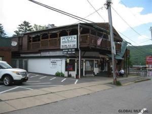 20 Amherst St, Lake George, NY 12845