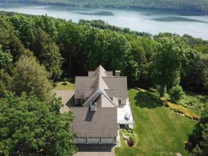 233 Meadowood Ln, Cooperstown, NY 13326
