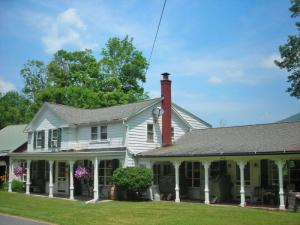 342 East Hollow Rd, Petersburgh, NY 12138
