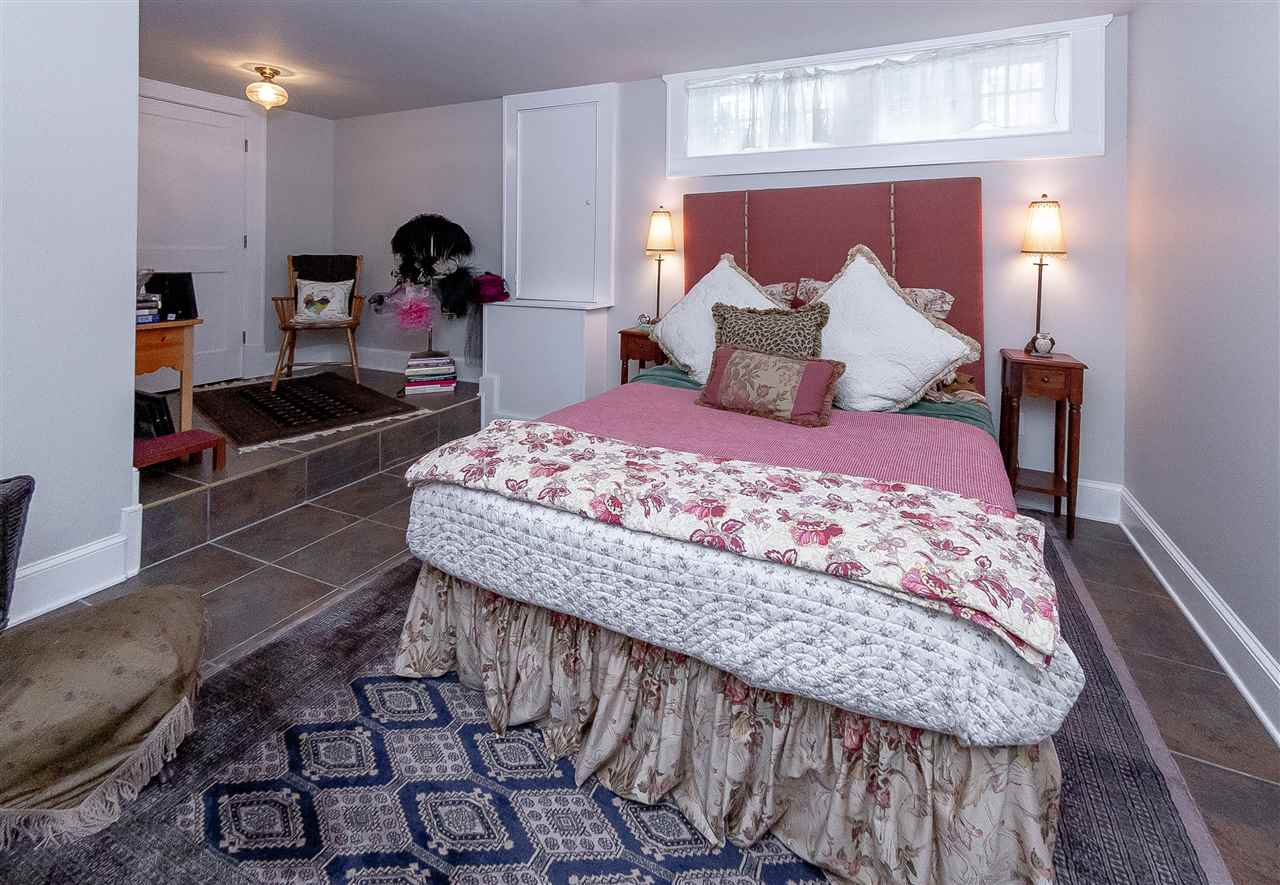 Saratoga S image 30
