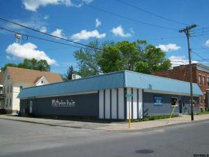 31-35 Perry St, Johnstown, NY 12095