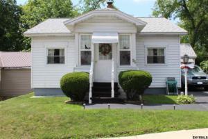 96 Park St, Gloversville, NY