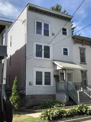 67 Lawrence St, Saratoga Springs, NY 12866