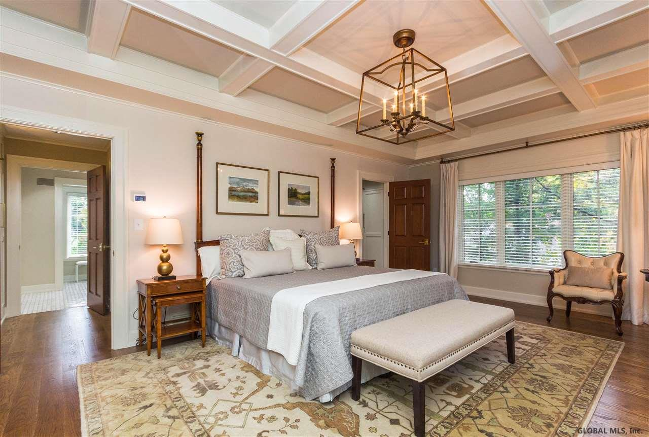 Saratoga Springs image 54