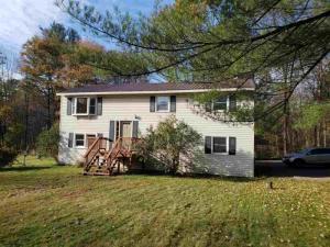 79 Petrified Garden Rd, Saratoga Springs, NY 12866
