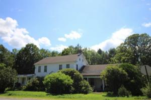 7151 Fish House Rd, Galway, NY 12074