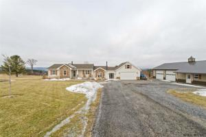 426 Pleasant Valley Rd, Berne, NY 12023