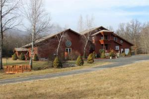 404 Winter Clove Rd, Round Top, NY 12473