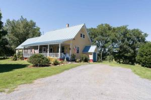 3231 New York State Route 22a, Hampton, NY 12837