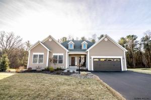 229 Woodsfield Dr, Guilderland, NY 12303