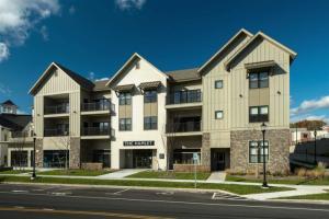 56 Marion Av, Saratoga Springs, NY 12866