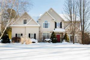 4 Royal Henley Ct, Saratoga Springs, NY 12866