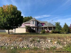 12 Hilltop Ct, Warrensburg, NY 12885-1036