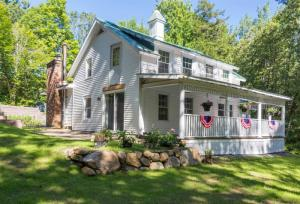 352 Middle Rd, Lake George, NY 12845
