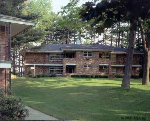 1000 Parkwood Dr, Clifton Park, NY 12065