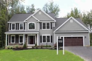70 Richmond Hill Dr, Queensbury, NY 12804