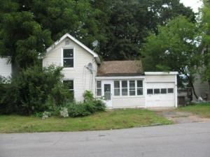 94 Pine St, Gloversville, NY