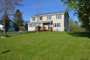 60 Colonial Rd, Stillwater, NY 12170