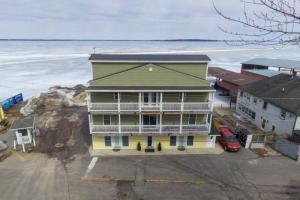 335 Club St, Cape Vincent, NY 13618