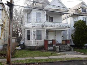 110 Porter St, Schenectady, NY 12308-3106