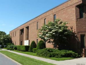 5 Computer Dr West, Colonie, NY 12205