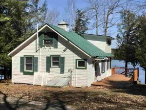 150 Hunt Lake Rd, Corinth, NY 12822