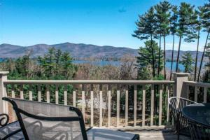 3 Lakeview Dr, Lake George, NY 12845