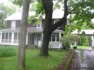 470 Old Saratoga Rd, Moreau, NY 12831