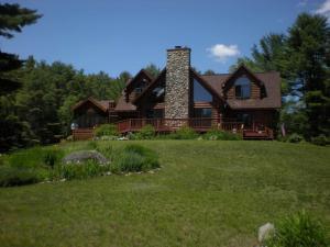 21 Bonnie Belle Farm Rd, Chestertown, NY 12817