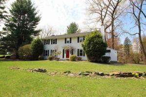 1 Schuyler Hills Rd, Loudonville, NY 12211-1421