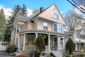193 Caroline St, Saratoga S, NY 12866