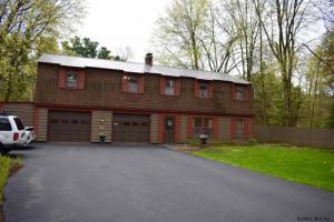 11 Fort Amherst Rd, Glens Falls, NY 12801