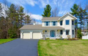 8 Back Stretch Ct, Saratoga Springs, NY 12866