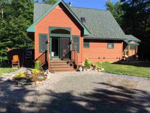 617 Shore Rd, Gloversvil, NY 12078