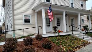 292 B Mansion St, Coxsackie, NY 12051