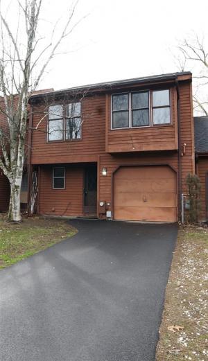 530 Townwood Dr, Albany, NY 12203