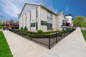 53 Spring St, Saratoga S, NY 12866-3295