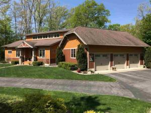 11 Blackberry La, Queensbury, NY 12804